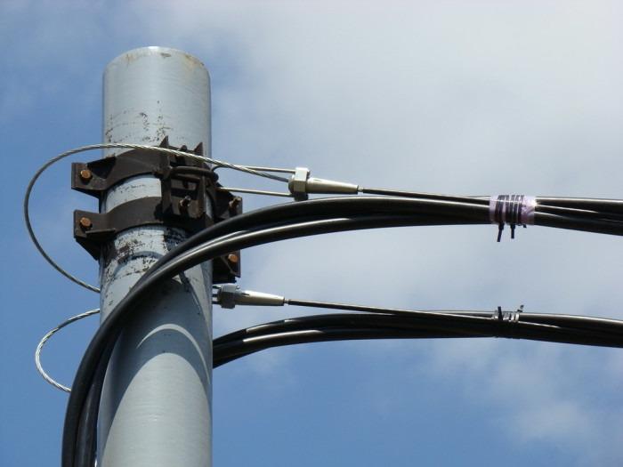 прокдадка кабеля по воздуху